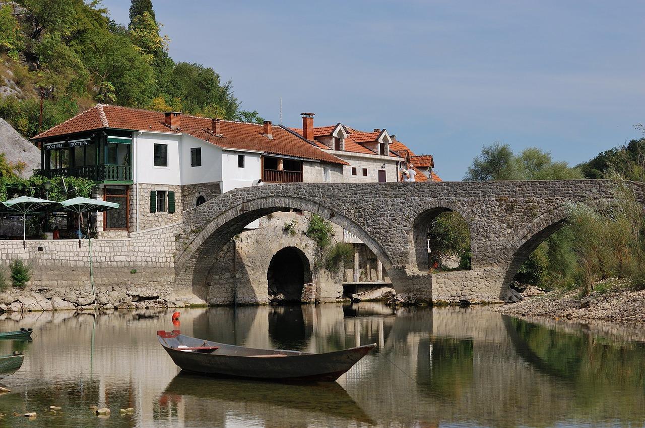 montenegro-1771560_1280.jpg